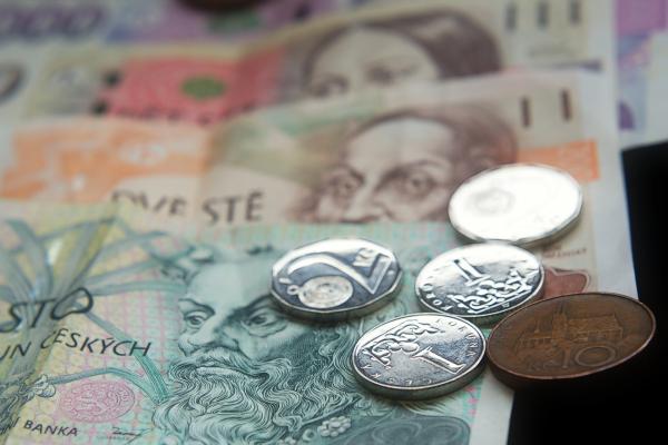 Dočasně bude možné vyzvedávat důchody na základě plné moci - od 23. 3. 2020