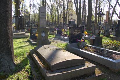 Dočasné uzavření hřbitovů